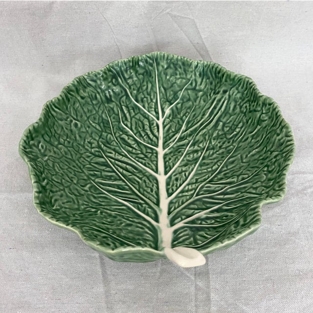Traditional Vintage Green Bordallo Pinheiro Cabbage Leaf Bowl For Sale - Image 3 of 10