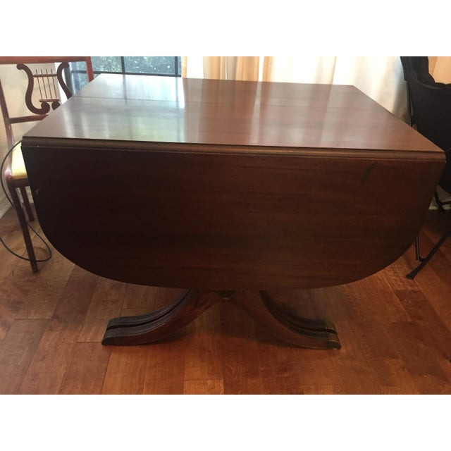 Cottage Drexel Heritage Vintage Mahogany Dining Set -Table and 6 Chairs For Sale - Image 3 of 10