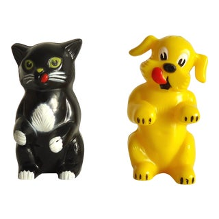 Mid Century Cat & Dog Salt & Pepper Shaker Set For Sale