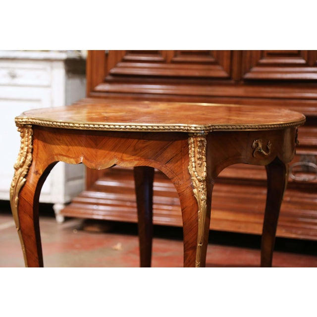 19th Century French Louis XV Oval Walnut Marquetry and Bronze Center Table For Sale - Image 10 of 13