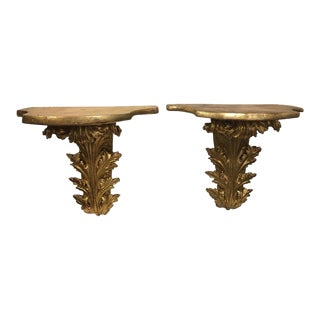 Large Italian Gilded Wall Brackets with Leaves Decorations, 20th Century - A Pair For Sale