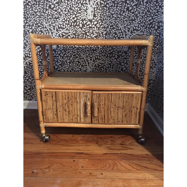 Brown 1970s Hollywood Regency Rattan Tiered Bar Cart on Brass Castors For Sale - Image 8 of 8