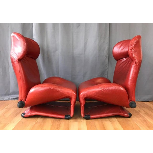 Cassina Pair of Toshiyuki Kita for Cassina Wink Convertible Leather Lounge Chairs For Sale - Image 4 of 13