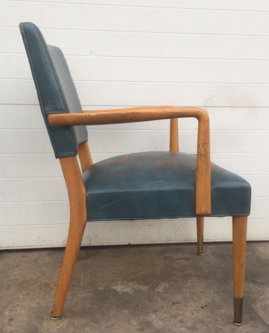 Mid Century Modern Vintage Distressed Leather Stow U0026 Davis Chair For Sale    Image 3