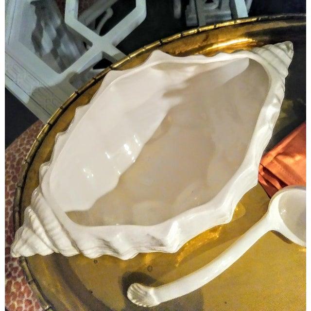 English Large Ceramic White Coastal Seashell Fitz and Floyd Style Soup Tureen Server Bowl For Sale - Image 3 of 8