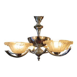 1940s Vintage French Art Deco Moderne Chandelier With Ezan Art Glass Shades For Sale