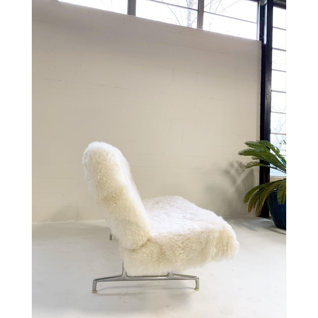 Mid-Century Modern Charles and Ray Eames for Herman Miller Model 3473 Sofa, Restored in Brazilian Sheepskin For Sale - Image 3 of 10