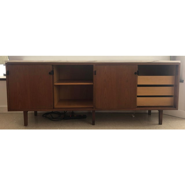 1967 Mid-Century Modern Florence Knoll Designed Calcutta Gold Marble Top Credenza For Sale In Buffalo - Image 6 of 13