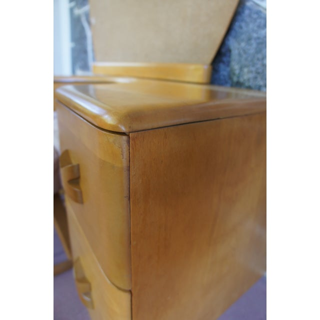 Heywood Wakefield Rio Champagne Maple Vanity & Stool For Sale - Image 9 of 11