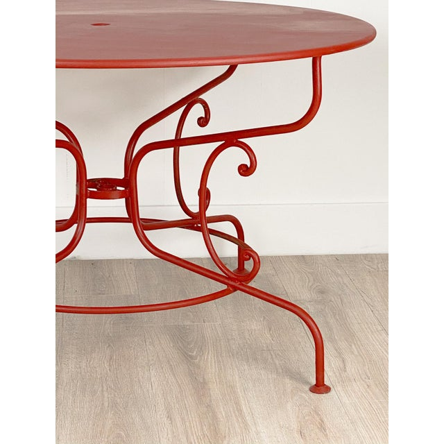 A sophisticated and stylish large garden table from a very good collection circa 1950. Repainted.
