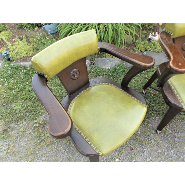 Mid 20th Century Wood and Avocado Vinyl Mid-Century Arm Chairs - Set of 3 For Sale - Image 5 of 13