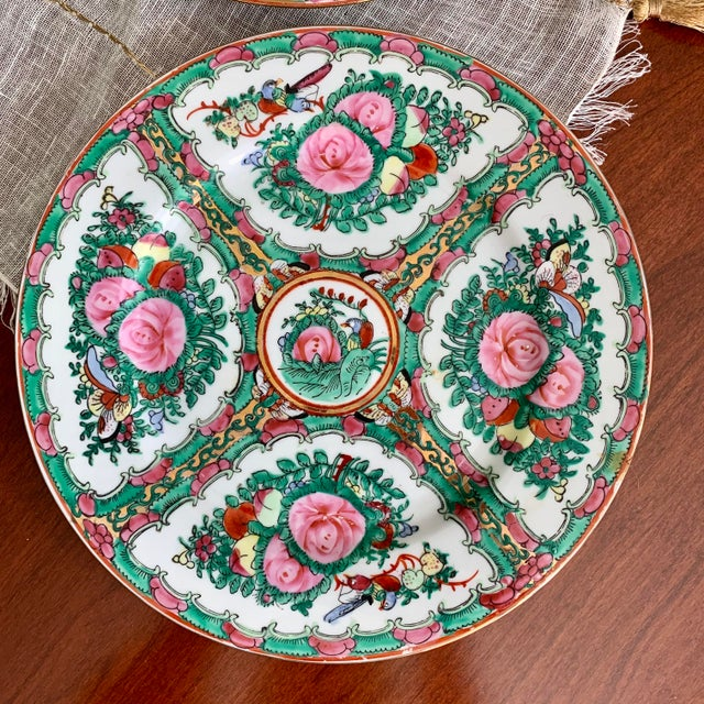 1970s Vintage Chinese Rose Medallion Famille Rose Hand Decorated Porcelain Plates - a Pair For Sale - Image 4 of 10