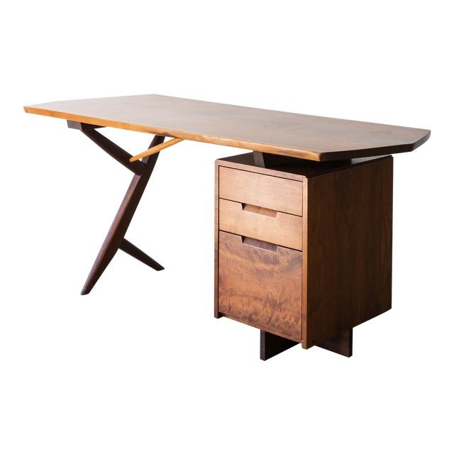 Conoid Cross-Legged Desk in American Walnut and Hickory by George Nakashima, New Hope, 1963 For Sale