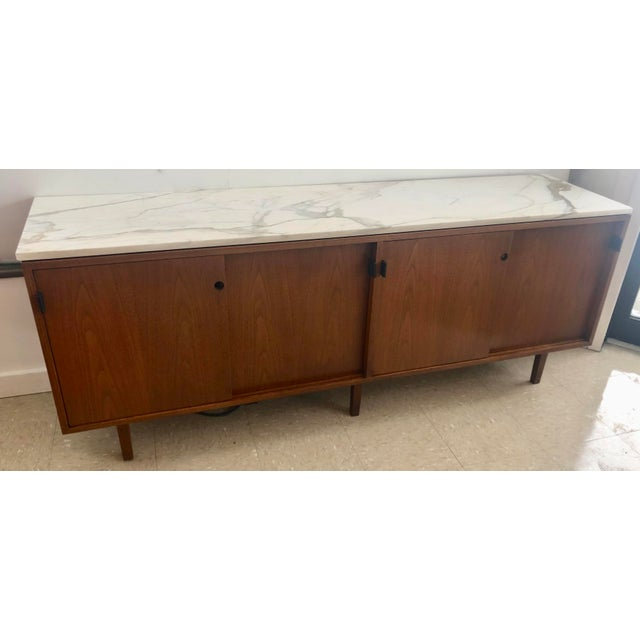 1967 Mid-Century Modern Florence Knoll Designed Calcutta Gold Marble Top Credenza For Sale - Image 13 of 13