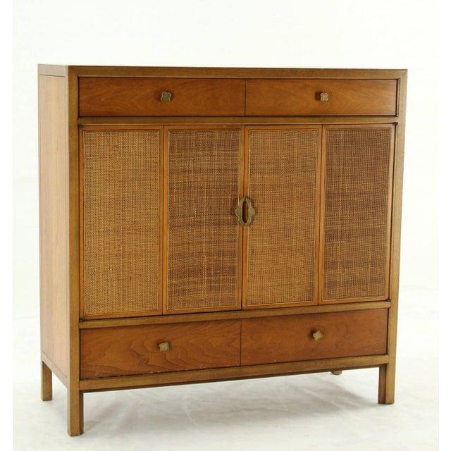 Wood Mid-Century Modern Henredon Gentelmen's Chest For Sale - Image 7 of 11