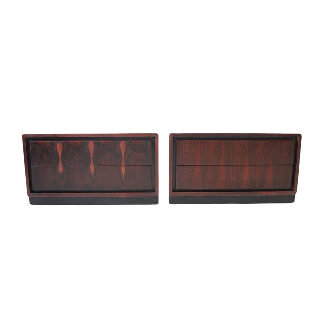 Pair of Vintage Mid Century Modern Nightstands by Dillingham For Sale