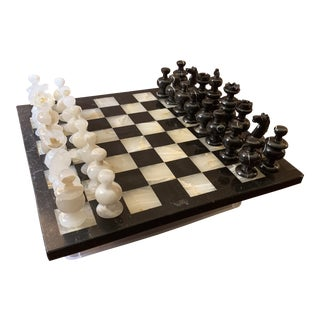 1970s Vintage Hand Carved Quartz/Marble Complete Chess Set - 32 Pieces For Sale