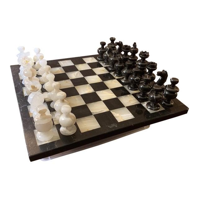 1970s Vintage Hand Carved Quartz/Marble Complete Chess Set - 32 Pieces For Sale