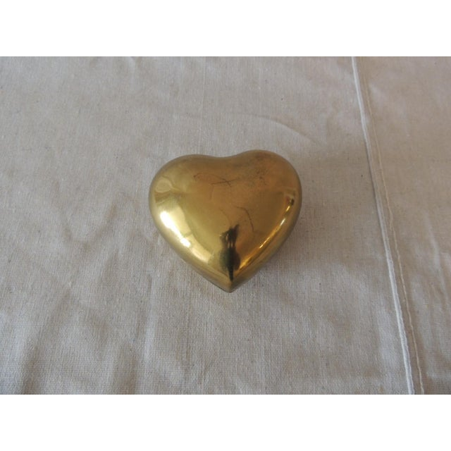 Vintage Gold Jewelry Box in the Shape of a Heart For Sale In Miami - Image 6 of 6