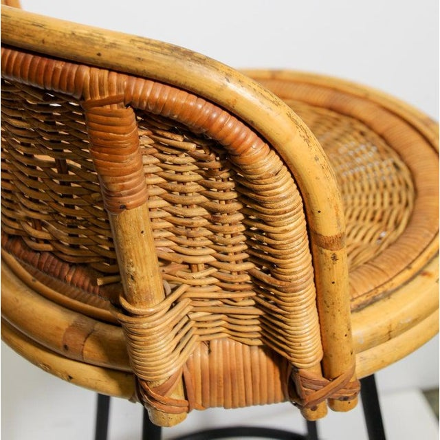 Wicker Vintage 1960s Swivel Woven Rattan Bar Stools - a Pair For Sale - Image 7 of 13