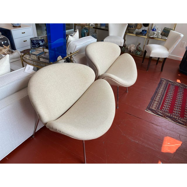 Pair of Vintage Tulips Chairs With Newly Upholstered For Sale In New York - Image 6 of 13
