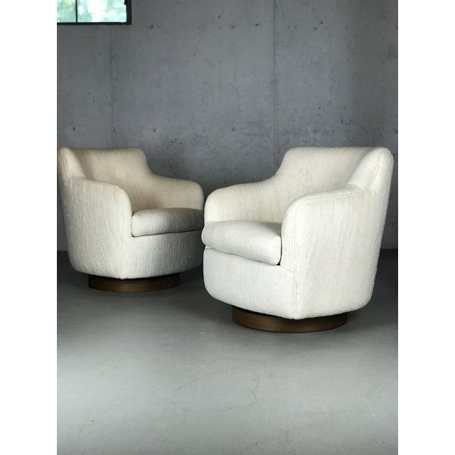 Designer Swivel and Tilt Lounge Chairs by Milo Baughman for Thayer Coggin For Sale - Image 10 of 11