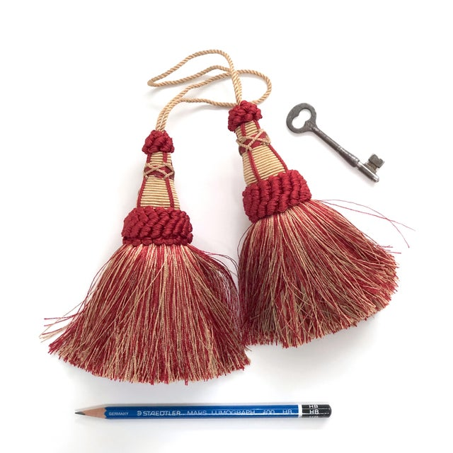 2010s Pair of Key Tassels in Red and Gold With Looped Ruche Trim For Sale - Image 5 of 11