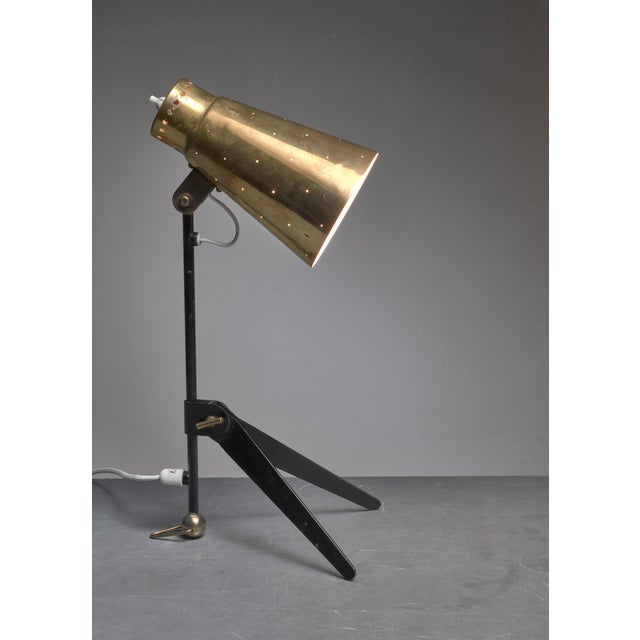 Itsu Tapio Wirkkala Brass and Metal Table or Wall Lamp for Itsu, Finland, 1950s For Sale - Image 4 of 7
