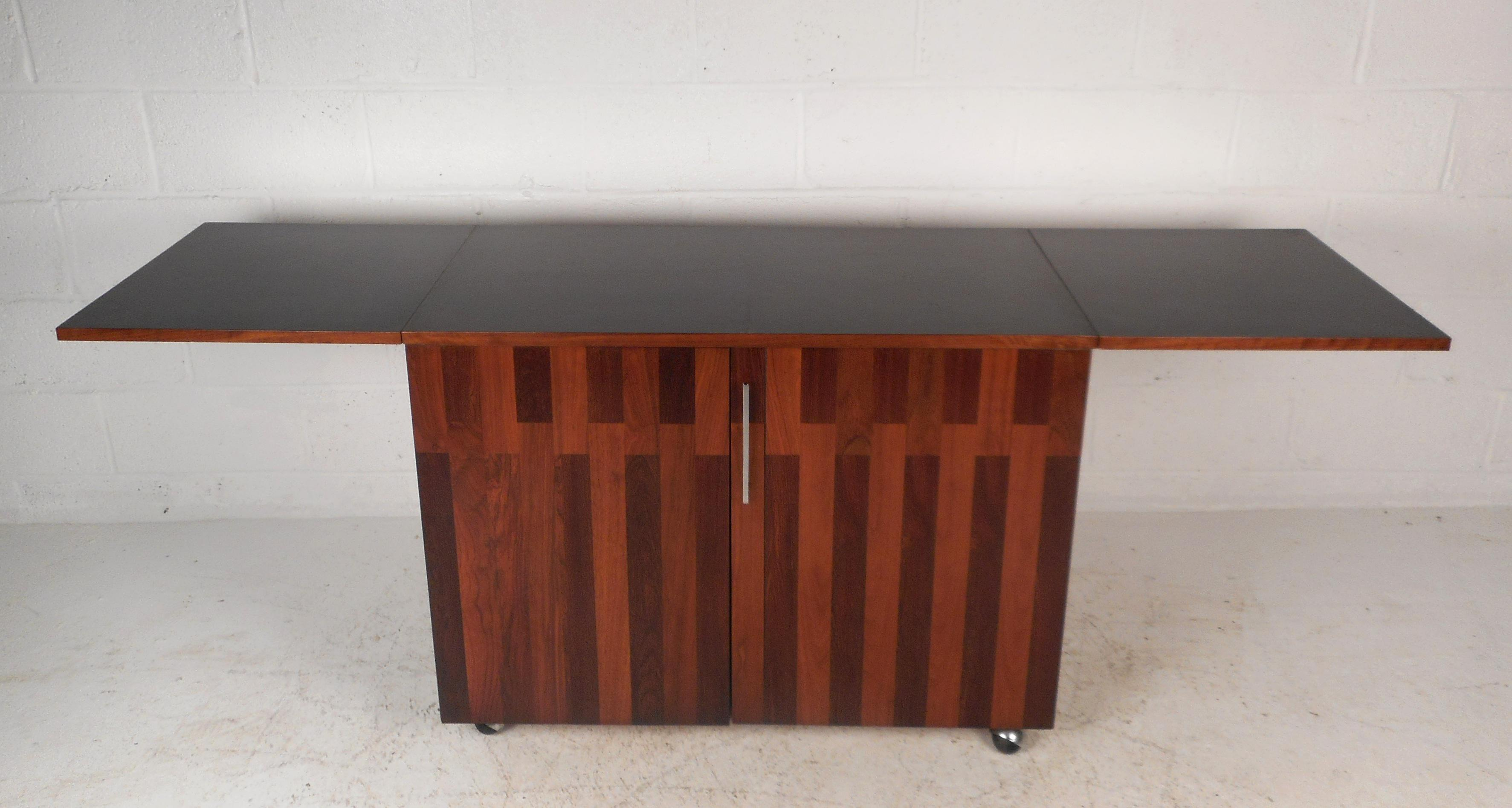 Mid Century Modern Rosewood And Walnut Flip Top Bar By Lane Furniture    Image 3