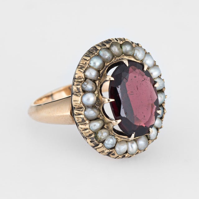 Art Deco Antique Deco Garnet Natural Seed Pearl Ring Vintage 14 Karat Yellow Gold Pinky For Sale - Image 3 of 7