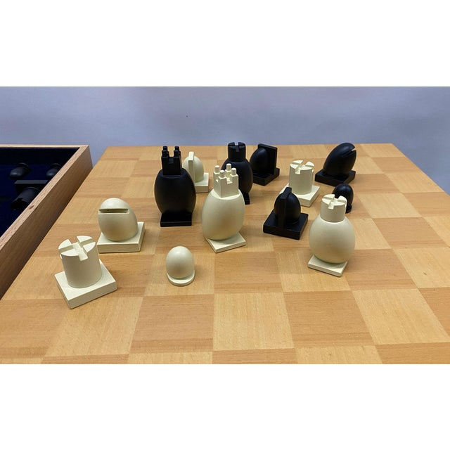 Michael Graves 1990s Postmodern Chess / Checkers Set by Michael Graves For Sale - Image 4 of 13