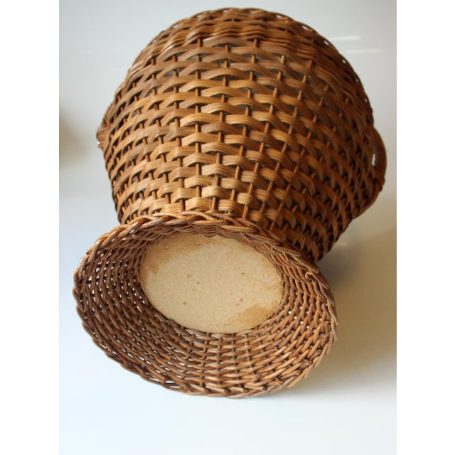 1970s Vintage Wicker Sewing Basket With Handle For Sale - Image 10 of 11