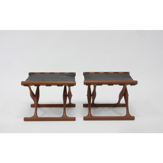 """Mid-Century Modern Pair of """"Guldhøj"""" Stools by Poul Hundevad For Sale - Image 3 of 9"""