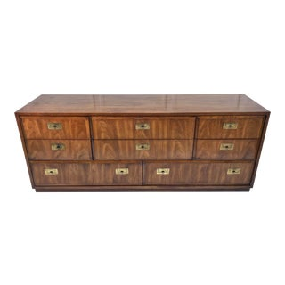 Vintage Thomasville Campaign Style 8 Drawer Dresser For Sale