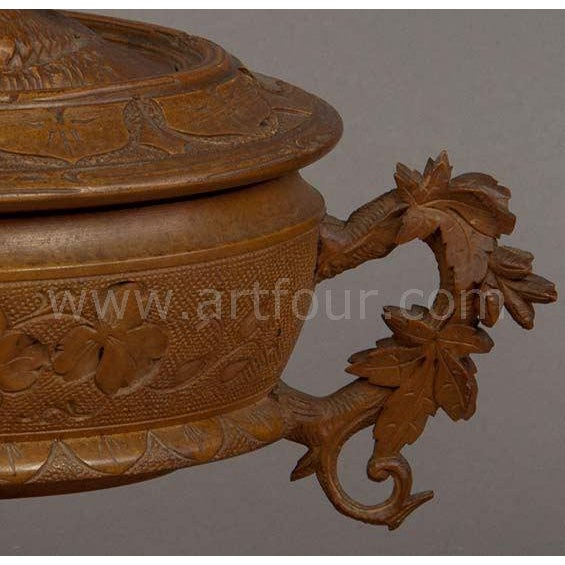 Late 19th Century Antique Wooden Carved Casket With Birds, Brienz Ca 1890 For Sale - Image 5 of 6