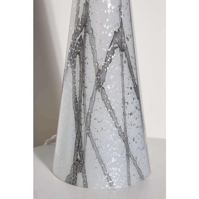 1960s Seguso Murano Glass Shimmering White Table Lamp With Silver Inclusions For Sale - Image 6 of 9