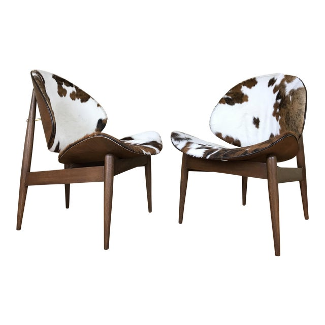 Kodawood Mid-Century Modern Clam Shell Lounge Chairs- A Pair For Sale