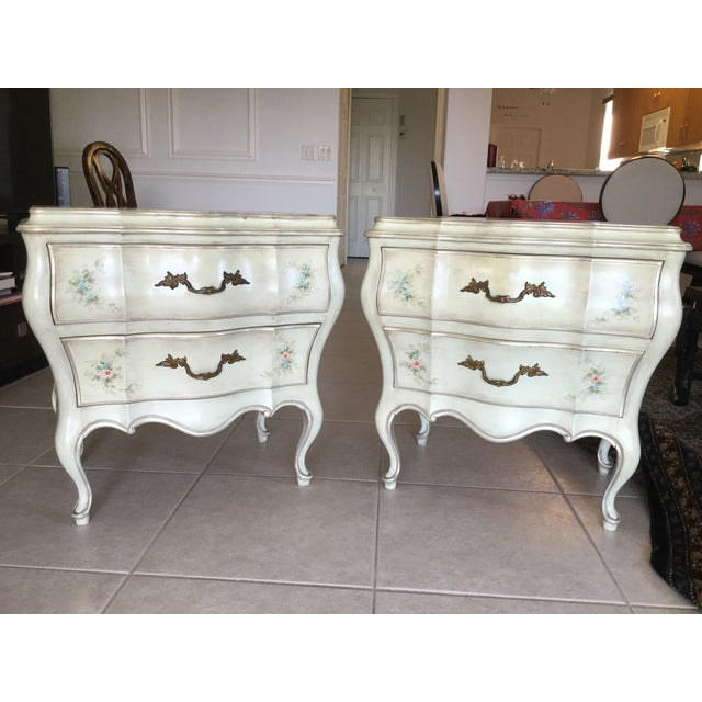 Louis XV Painted French Style Bombe Chests - a Pair - Image 9 of 9