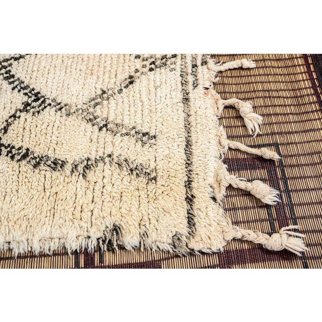 Abstract Moroccan Vintage Beni Ouarain Rug North Africa For Sale - Image 3 of 8