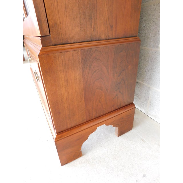 """Red Stickley Colonial Williamsburg Cherry Chippendale Style 2 Door Bookcase """"A"""" For Sale - Image 8 of 13"""