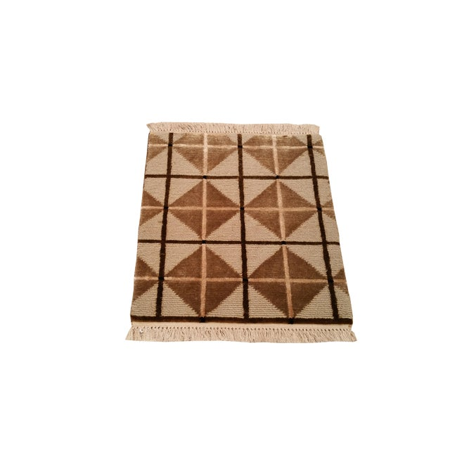 """Modern Contemporary Wool & Silk Handmade Knotted Rug - 1'6"""" X 1'6"""" For Sale"""
