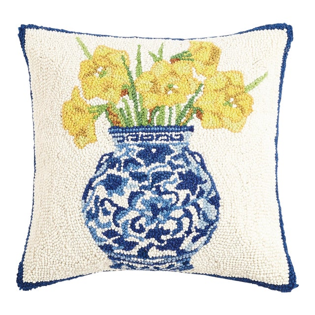 """Chinoiserie Vase Daffodils Hook Pillow, 16"""" x 16"""" For Sale"""