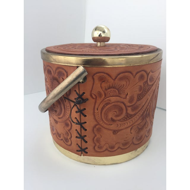 1970s Custom M. L. Leddy HandTooled Leather Western Drink Set With Ice Bucket and Caddy For Sale - Image 5 of 10