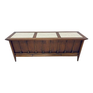 Mid-Century Modern Cedar Lined Chest by Lane For Sale