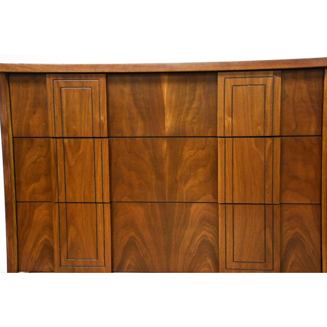 Stanley Furniture Mid-Century Walnut Dresser - Image 8 of 10
