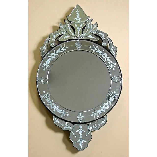 1960s Venetian Etched Glass Circular Wall Mirror For Sale - Image 10 of 11