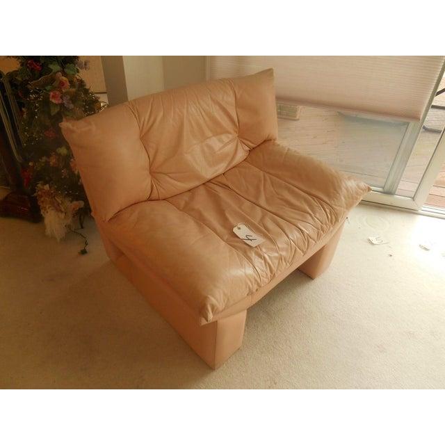 Oriental Gondola Style Salmon Leather Chair - Image 2 of 4