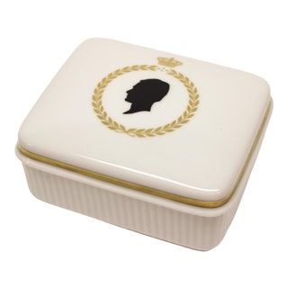 20th Century Traditional Royal Copenhagen Silhouette Covered Ceramic Box For Sale