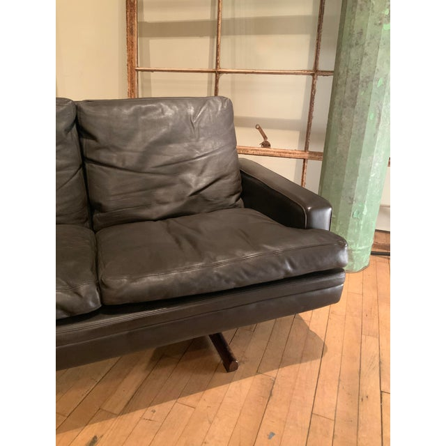 Brown 1960s Danish Leather and Rosewood Sofa by Fredrik Kayser For Sale - Image 8 of 10