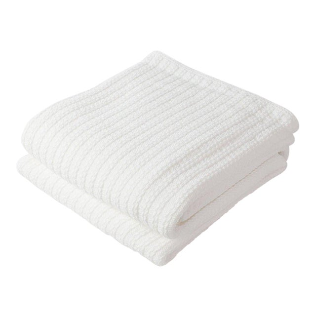 Contemporary Full/Queen Bright White Cable Knit Blanket For Sale